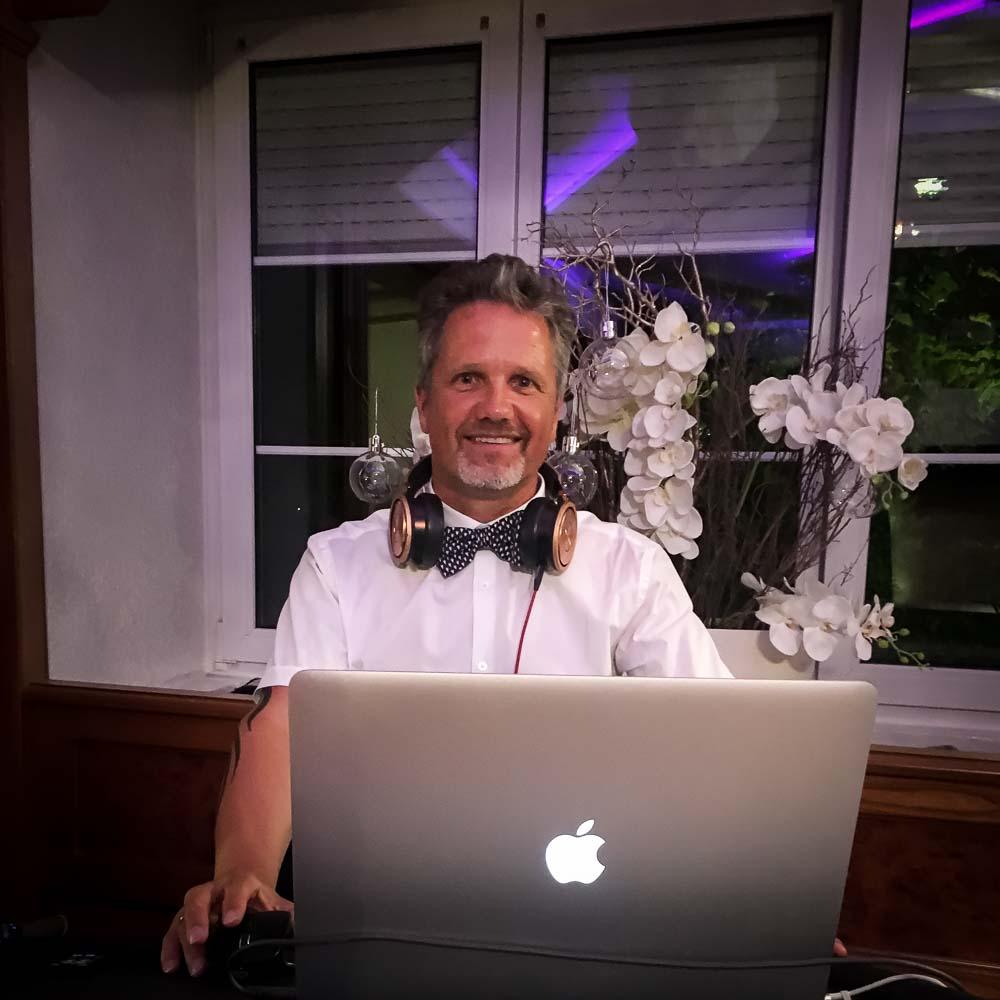 DJ Yvo
